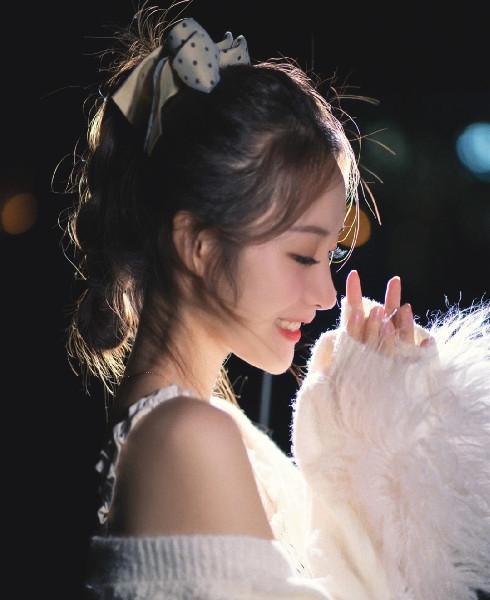 一周主播 | Sunny:颜值、才艺双实力,俘获百万粉丝第2张