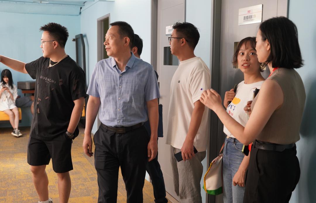 一周资讯 | 四川省委网信办副主任黎召阳一行莅临OST传媒第2张